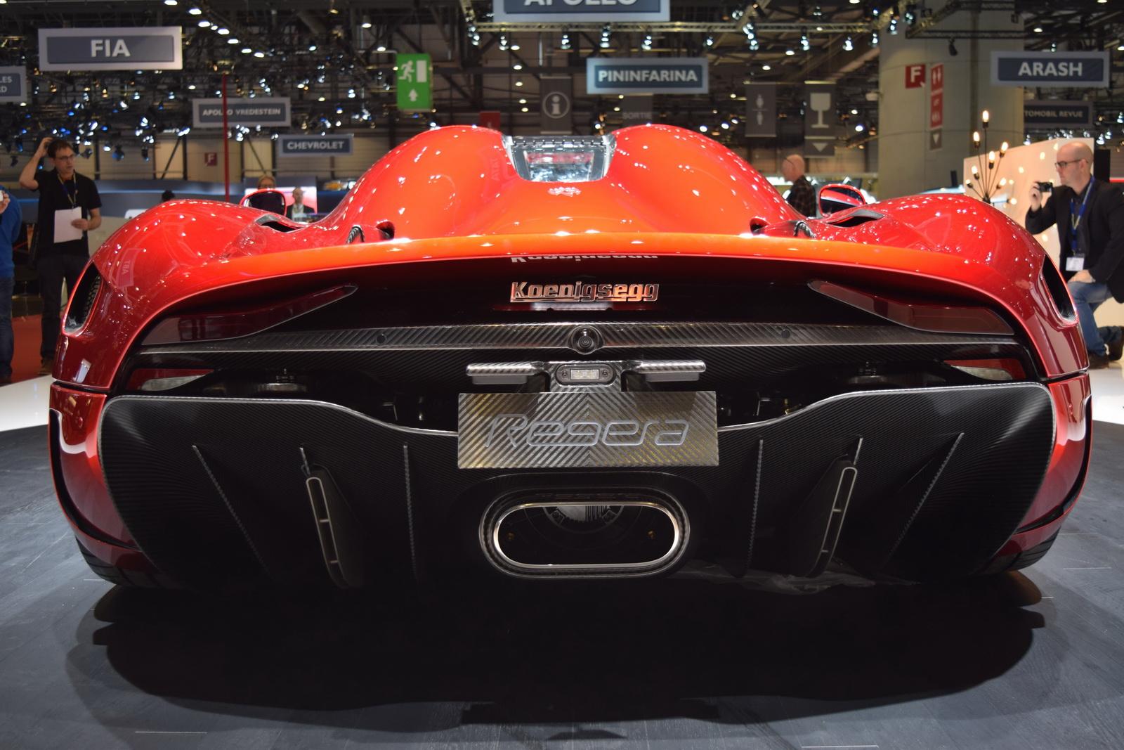 So sánh siêu xe Bugatti Chiron và Koenigsegg Regera