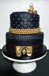 beyonce taart Decadentie (Pagina 1)   Bruids  en Stapeltaarten  beyonce taart
