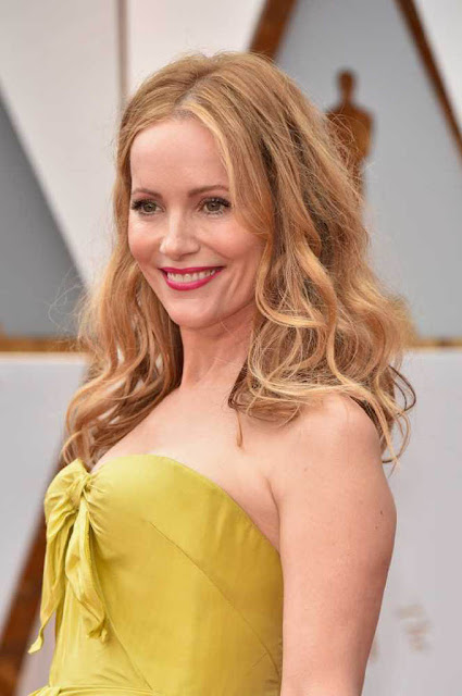 Leslie Mann at 89th Annual Academy Awards