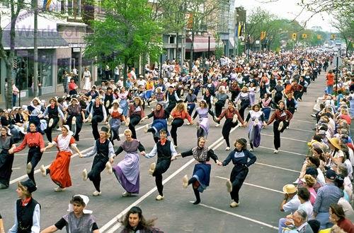 Holland Michigan Tulip Time Festival Klompen Dancing