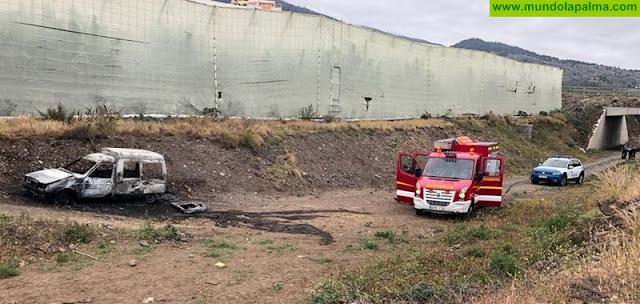 Se incendia un vehículo en Los Llanos de Aridane