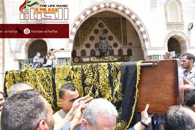 بالصور| الإنتهاء من صلاة  الجنازة على الراحلة مديحة يسري بحضور نجوم الفن بمسجد السيدة نفسية