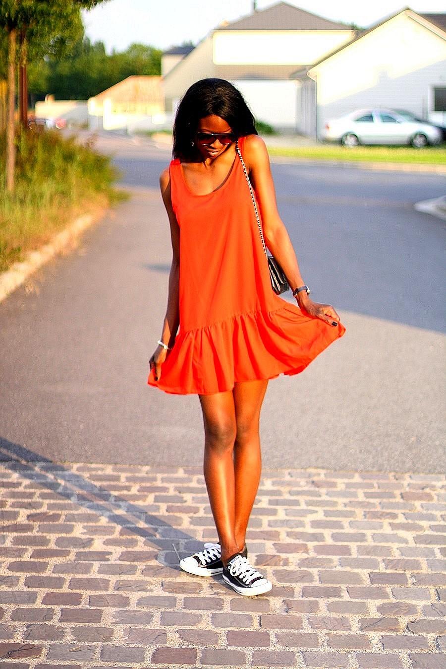 robe-rouge-mango-chanel-woc-baskets-converse-lunettes-masque-celine