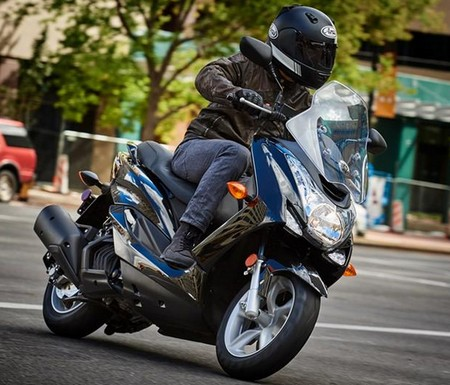 Review Yamaha SMAX