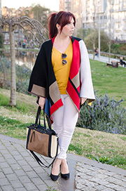 Capa Sheinside con camiseta color mostaza
