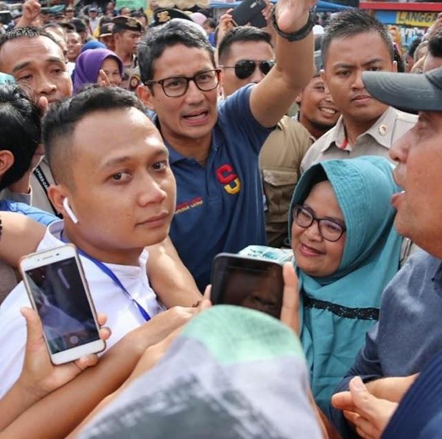 Calon Wakil Presiden RI Nomor Urut 02, Sandiaga Uno Dikerumuni Warga Kota Padangsidimpuan