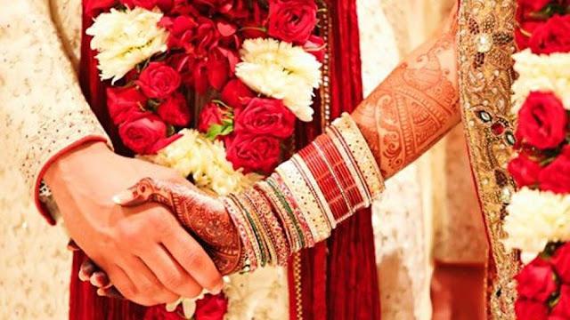 मुस्लिम रिजवान ने आशुतोष बनकर हिंदू लड़की से मंदिर में रचाई शादी, आधार कार्ड ने खोली पोल