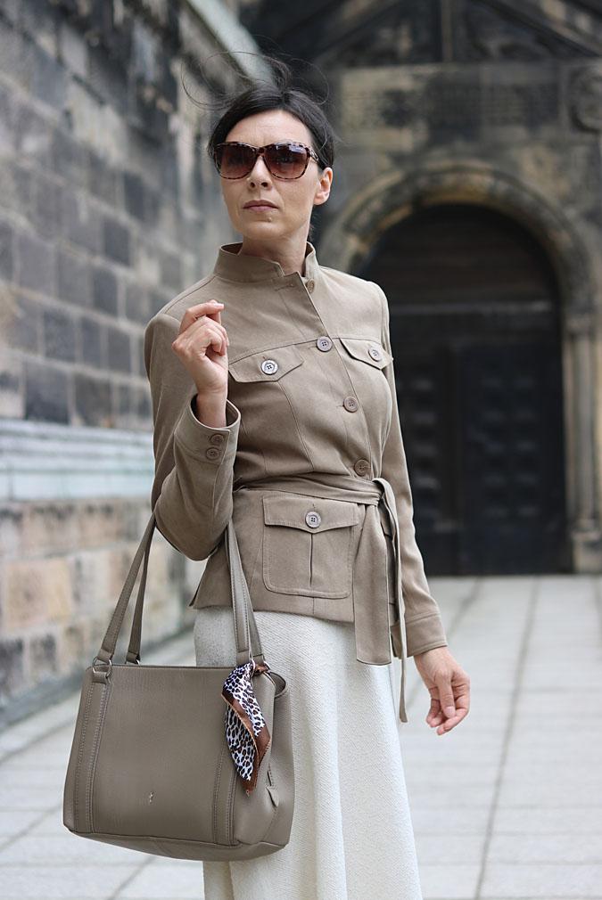 Ubrania w stylu safari