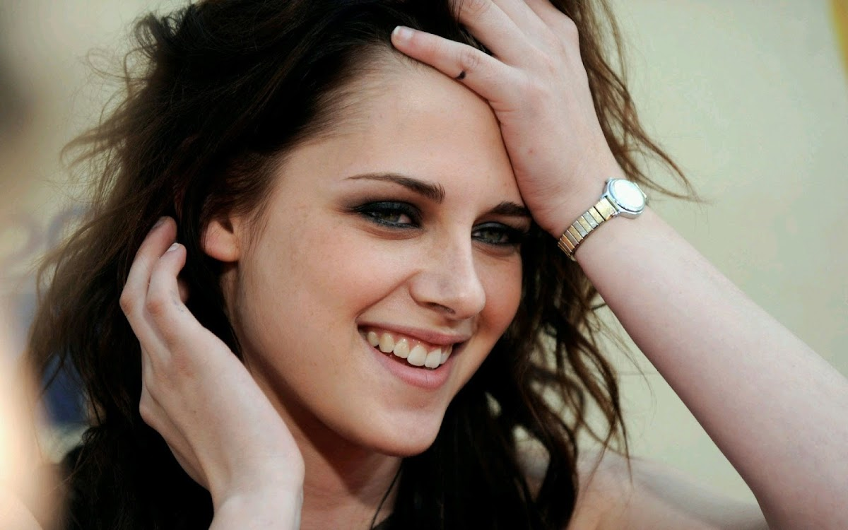 Kristen Stewart Widescreen HD Wallpaper 8