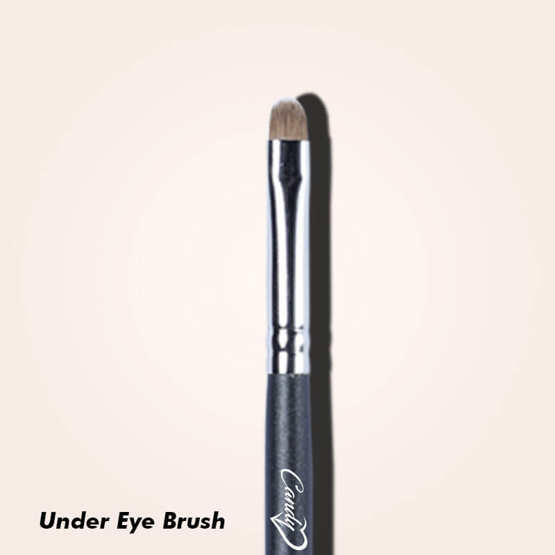The Eye Makeup Brushes You Need for Professional Finishing - Small Eyeshadow Applicator Brush