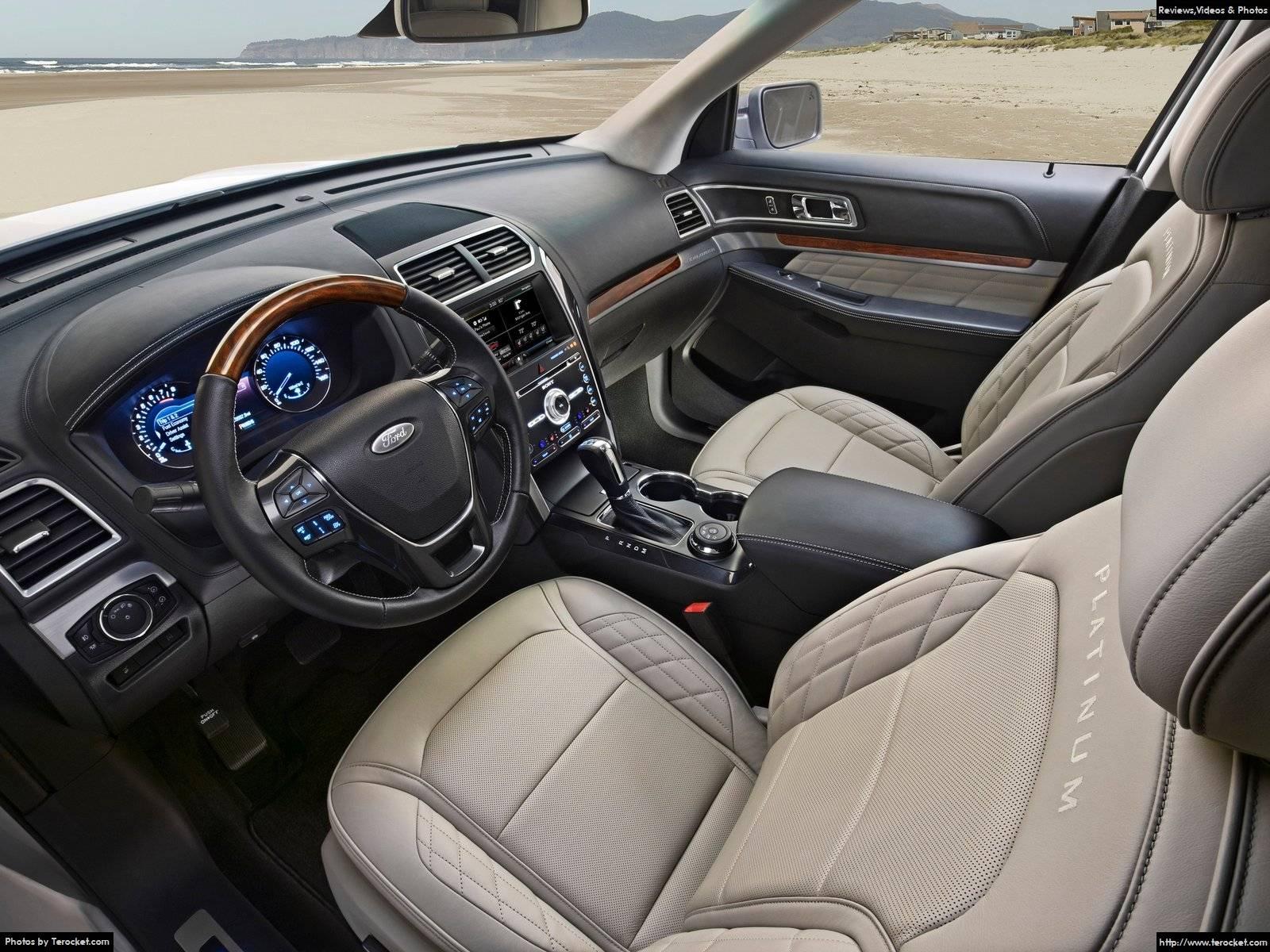 Xe được trang bị nhiều tính năng thông minh và nội thất rộng rãi