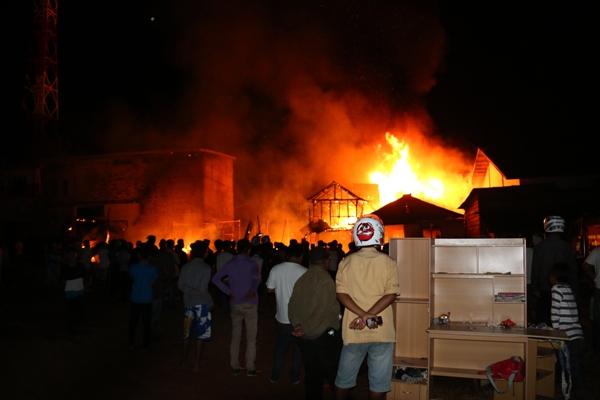 Akibat Kebakaran di Permukiman Simokerto Surabaya