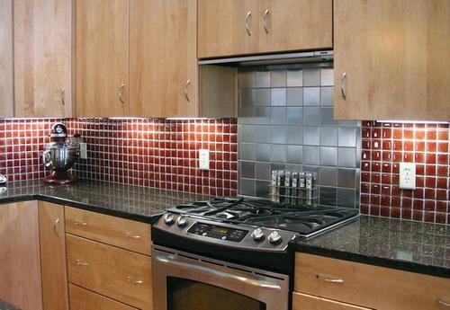 30 Amazing Design Ideas For A Kitchen Backsplash: Amazing Glass Tile Backsplashes Design To Spruce Up Your