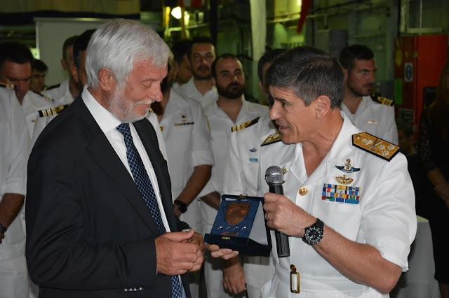 Ο Αρχηγός του Στόλου Ιωάννης Παυλόπουλος τίμησε τον Περιφερειάρχη Πελοποννήσου Πέτρο Τατούλη