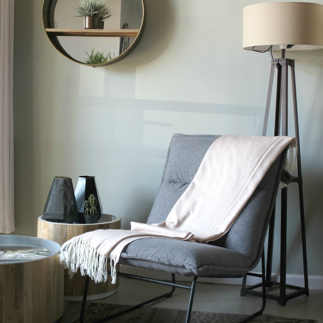 רהיטים בחותם, תמונת יחצ