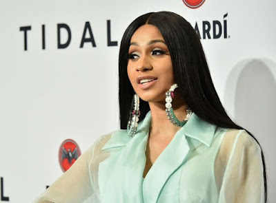 cardi breaks with offset