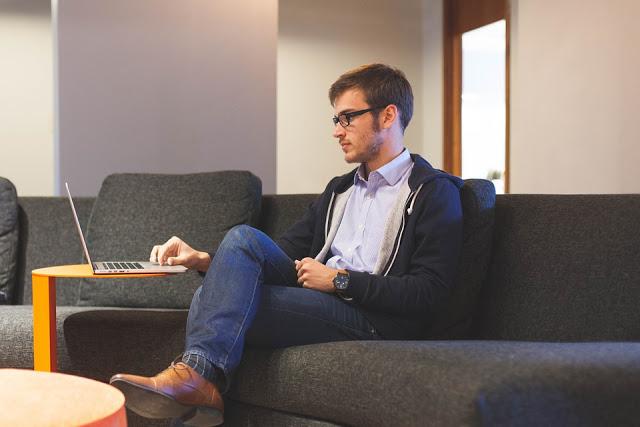 sibukan diri dengan mencari beasiswa