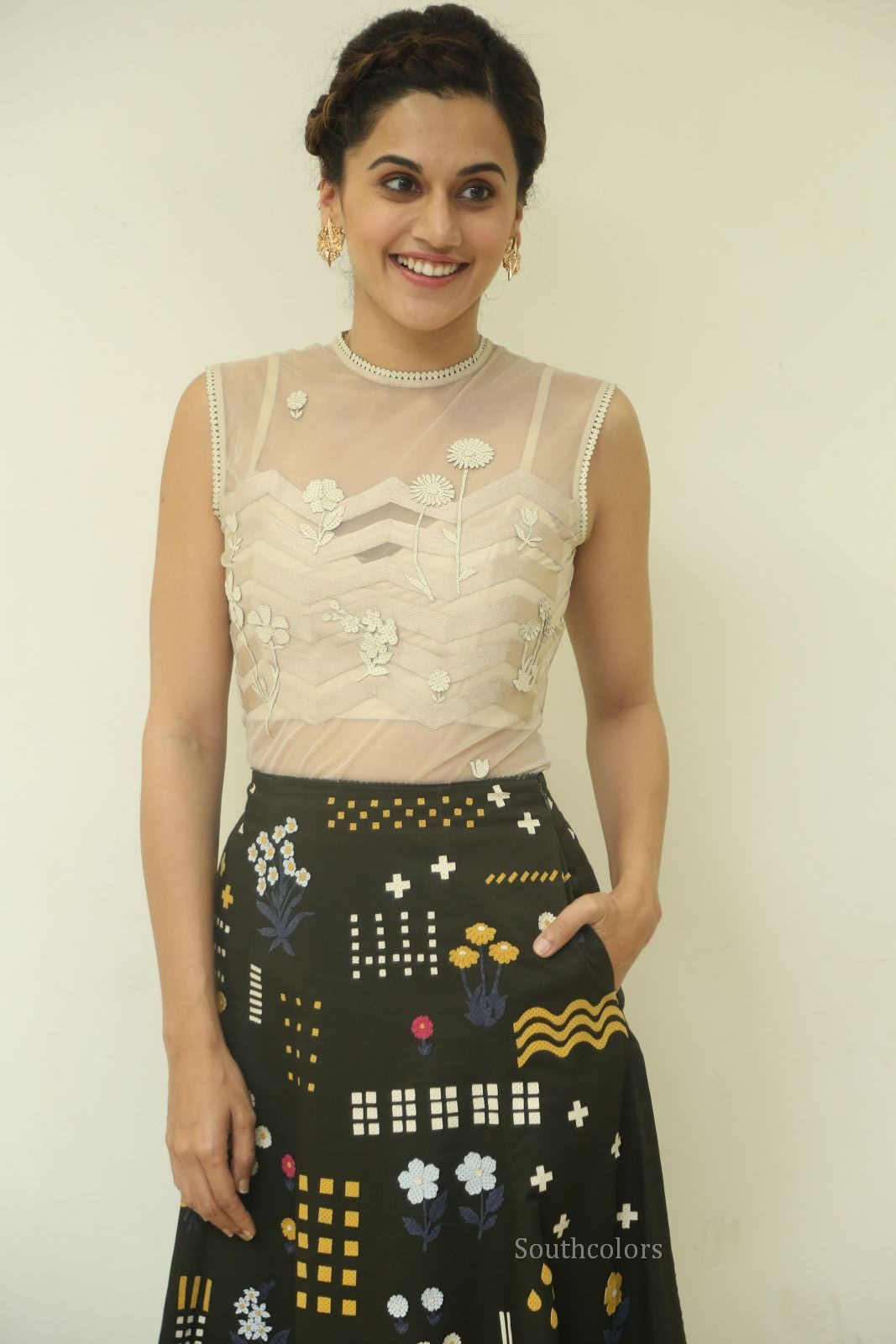 taapsee pannu stills at anando brahma trailer launch southcolors%2B%25283%2529