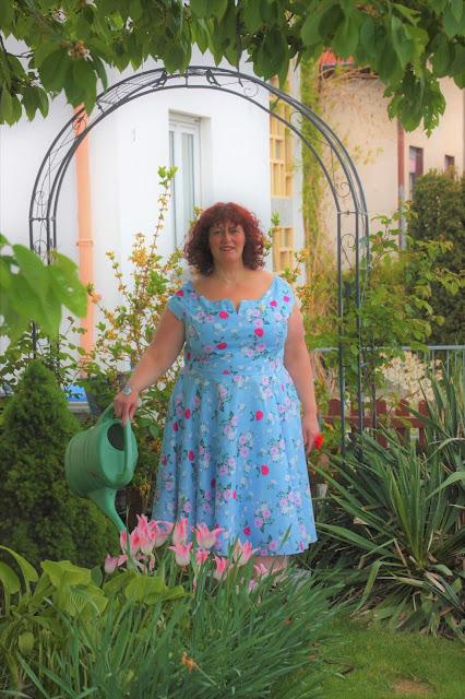 Ü50 Mode ue 50 Mode Blog, Blumenkleid, Vintage, Bunnys, modish matrons