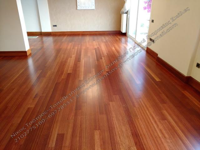 ξύλινο πάτωμα ντουσιέ