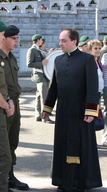 Capelão militar em Lourdes