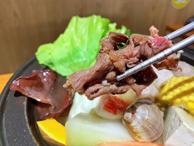 原石鍋爆炒鮮肉口感豐富