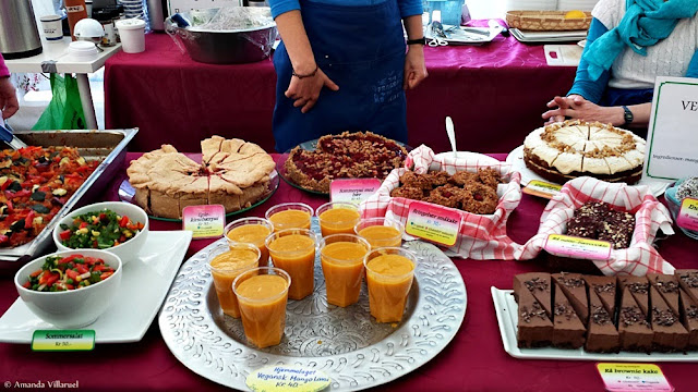 Delicious cakes and smoothies at the Vegetarian Festival in Oslo