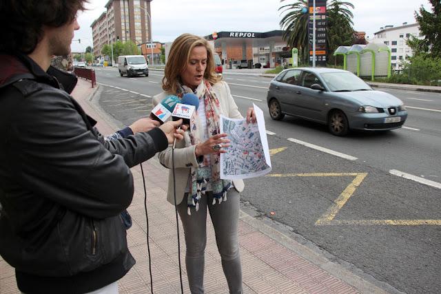 La alcaldesa presenta el proyecto de semáforos en la N634 en Burtzeña