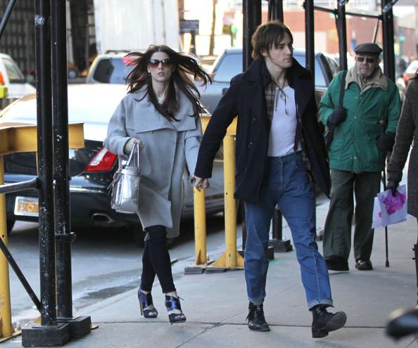 Hollywood Star: Ashley Greene Boyfriend Reeve Carney New ...