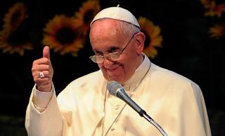 Pope Supports Kim Davis