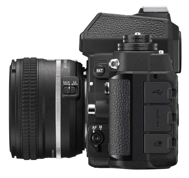 Fotografia della Nikon Df, lato sinistro