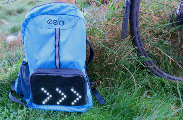 08e3e83c0f Review - CYGLO Cycling Backpack Indicator Display