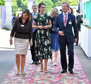 The Duchess of Cambridge steps out for Chelsea Flower Show in a £1500 dress