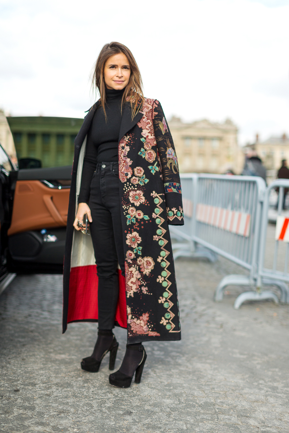 Paris Fashion Week Street Style Twentyish Brunette