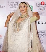 Lakme Fashion Week 2018   Sushmita Sen  at Lakme Fashion Week 5 ~  Exclusive 014.jpg