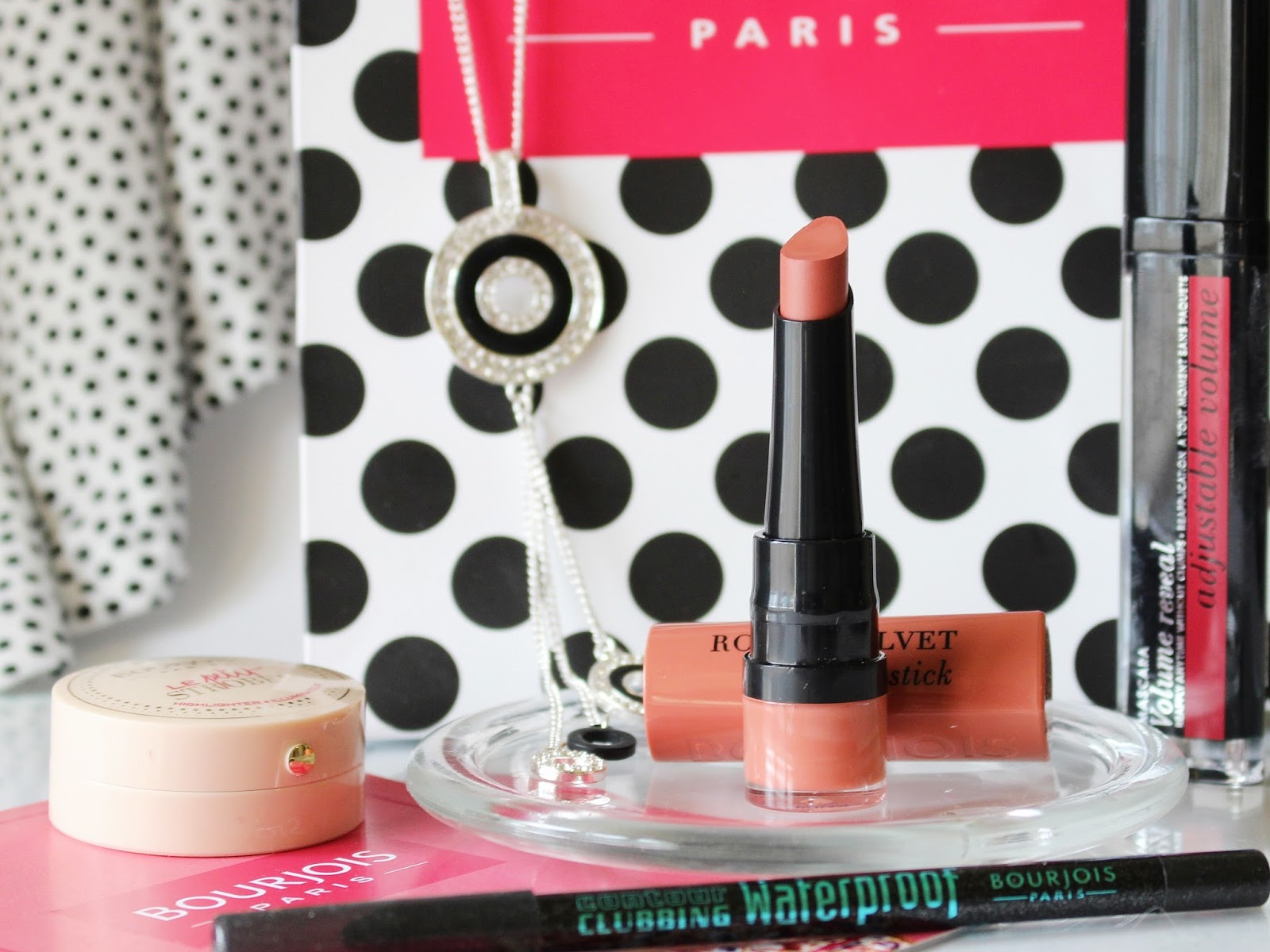 Bourjois Rouge Velvet The Lipstick - 15 Peach Tatin