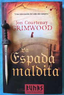 Portada del libro La espada maldita, de Jon Courtenay Grimwood