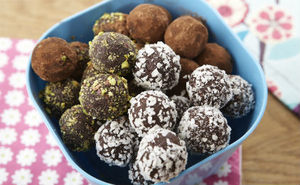 Ioanna's Notebook - No bake truffles