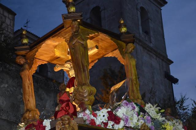 cristo de la peña (Campo Real)  Bajando en procesión
