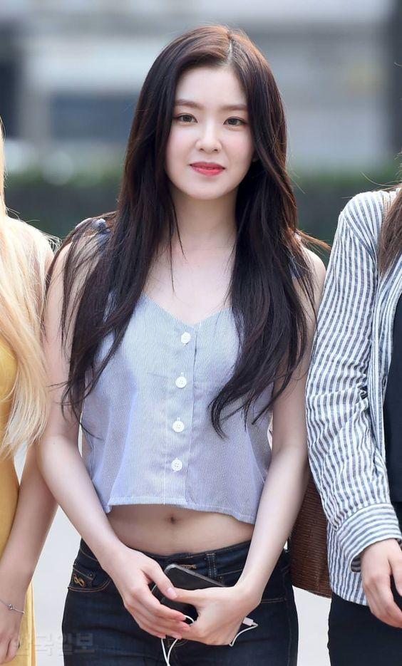 9 Times Red Velvet's Irene Shows Off Her Slim Waist! | Daily K Pop News