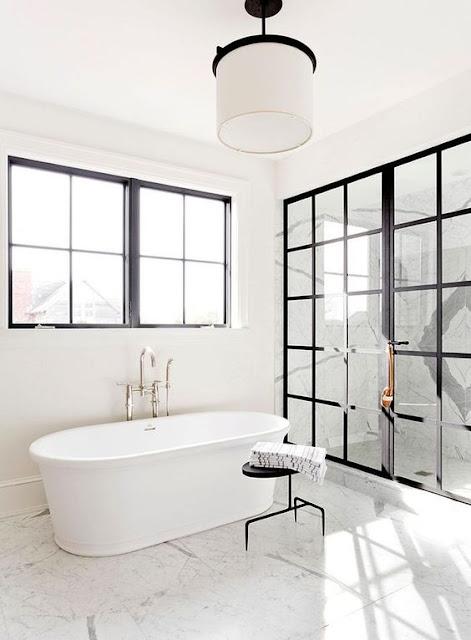 vasca da bagno finestra