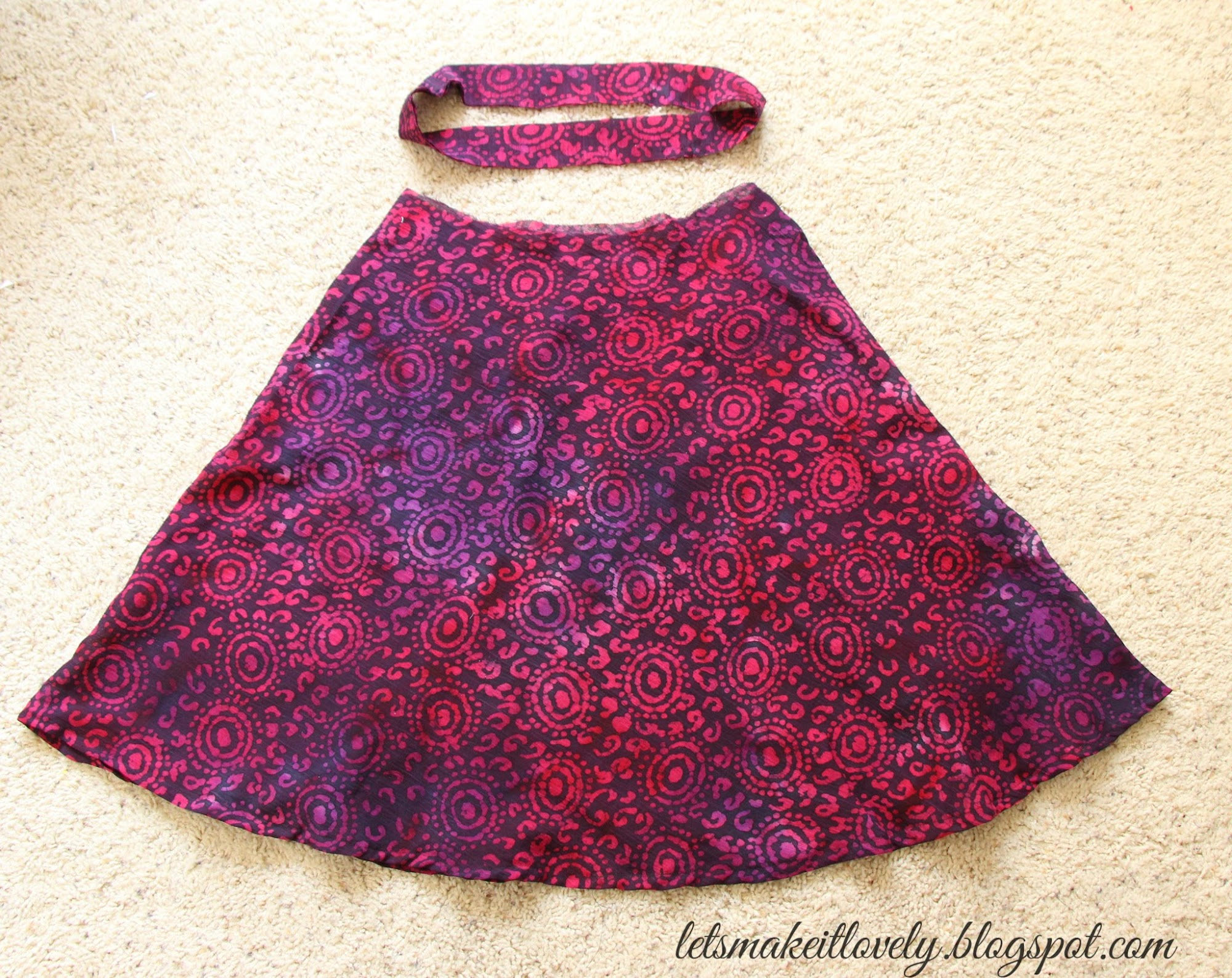 Sew a simple summer skirt. Half circle skirt for beginners. Sewing projects for beginners.