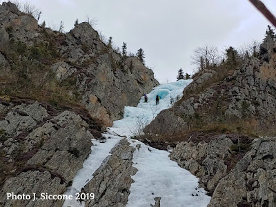 Parasol Gully, Dixville Notch, ice climbing, multi pitch, hero ice