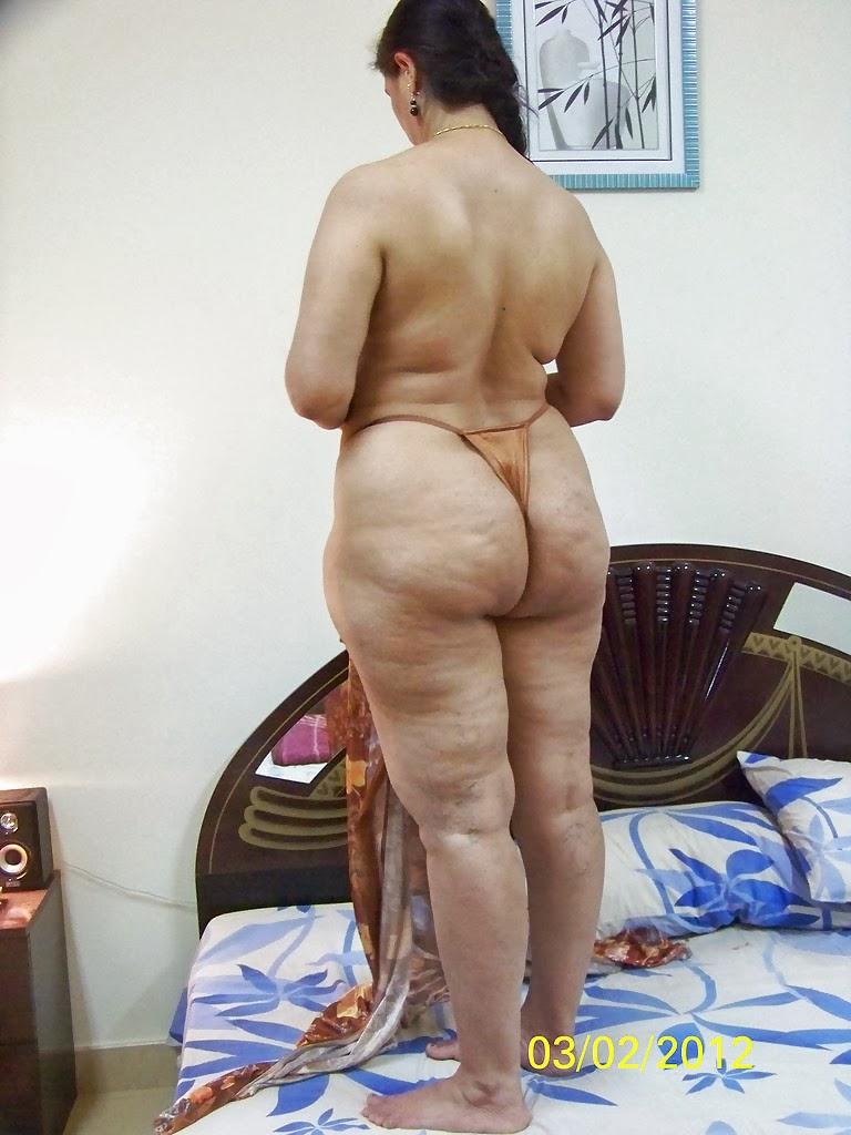 aunty naked exbii