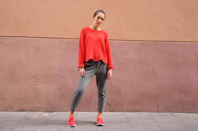 chloeschlothes-rouge-gris