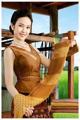 Beer Lao calendar models ຈາກ ປີ 2011