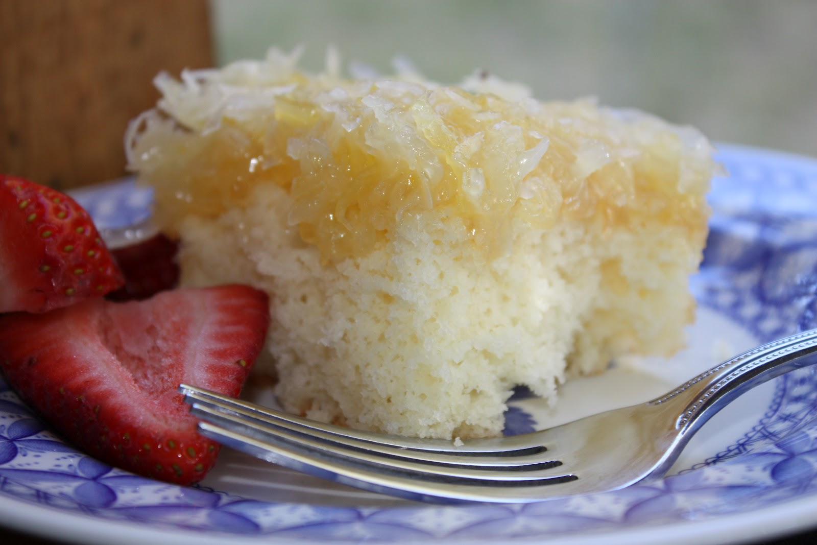 Pineapple Cake With Coconut Icing