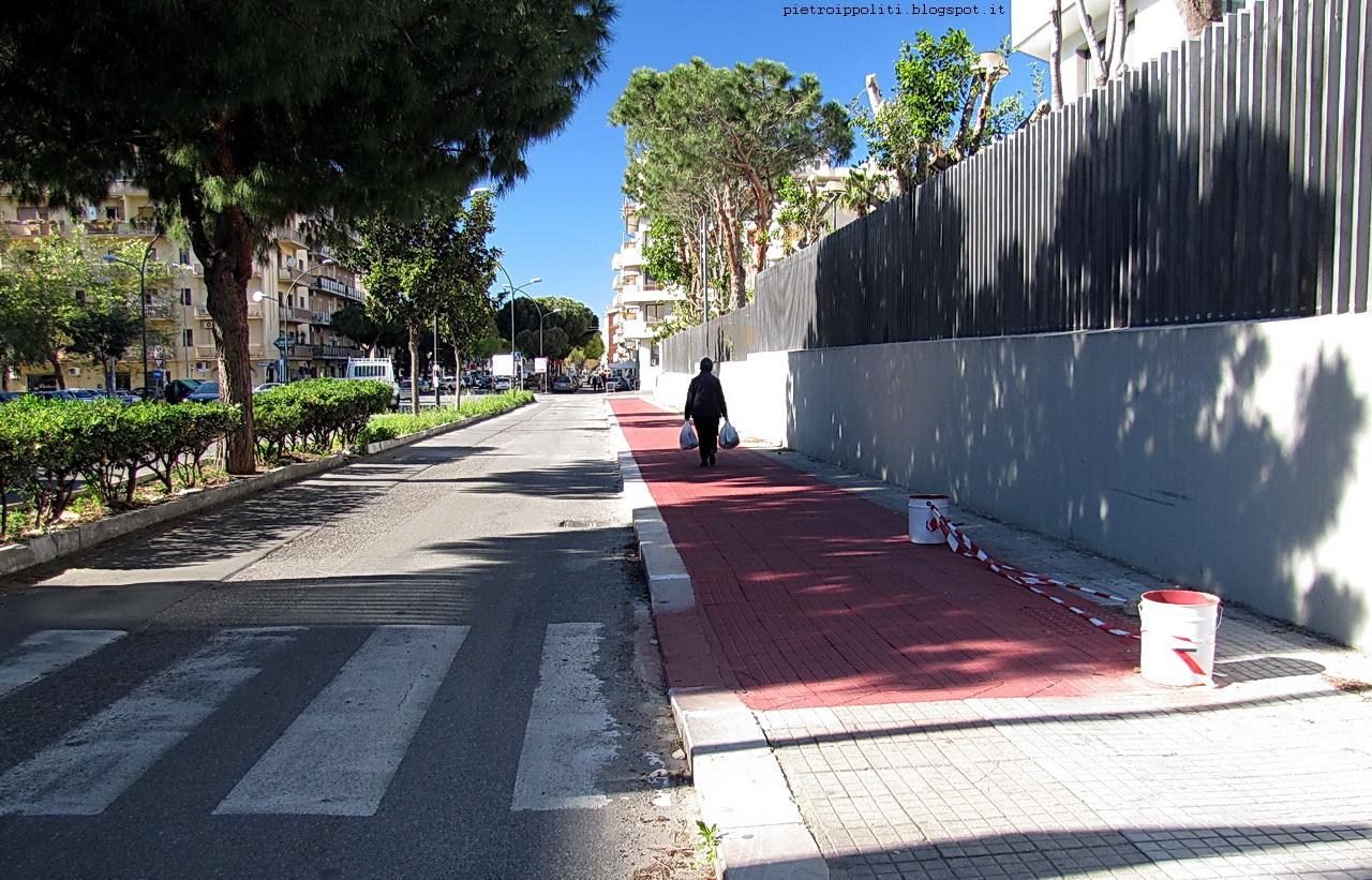 Inizio pista ciclabile di RC direzione Nord, Viale Calabria