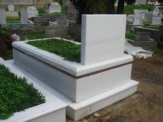 Rüyada mezartaşı