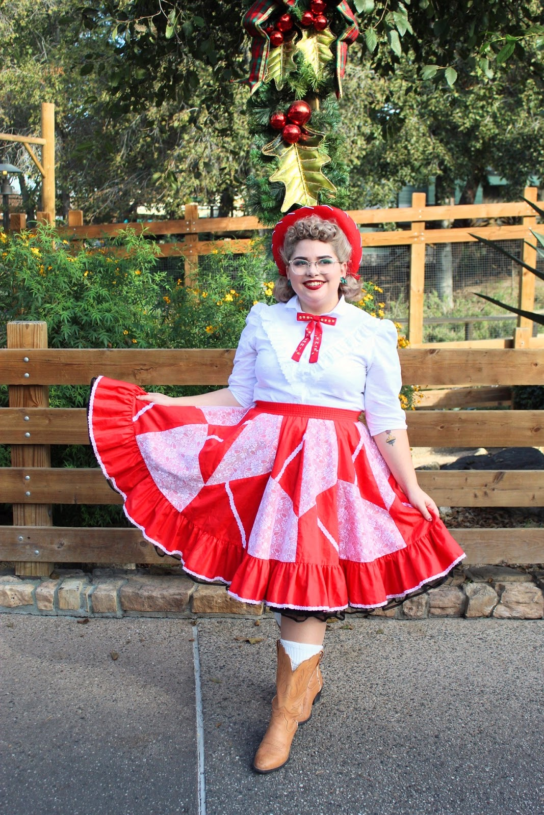 053dd9ee9f42 I was having a hard time finding a vintage Christmas skirt but I love  vintage square dancing skirts because they always have an elastic and  they're full ...